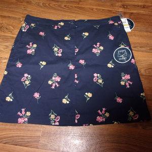 Skort size 14 blue floral Karen Scott